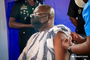 Bawumia gets vaccinated