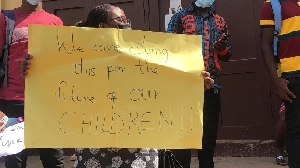 Angry parents of pupils of Achimota Preparatory School