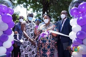 Mrs Akufo-Addo cutting the ribbon