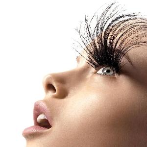 Doctors say long bushy eyelash extensions are harmful to women's sight
